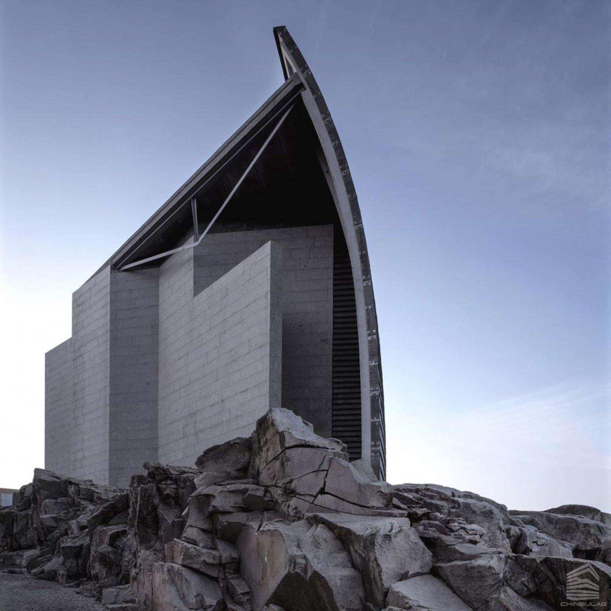 Архитектурын гайхамшиг: 2019 оны шилдэг архитектор Арата Исозакигийн сор бүтээлүүд